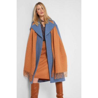 Orangener Schal
